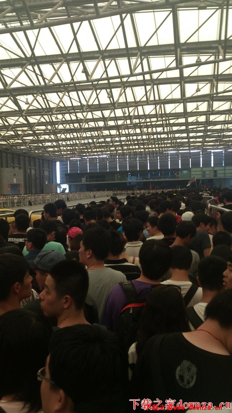 2013chinajoy现在人山人海,日人流量达到5万人次